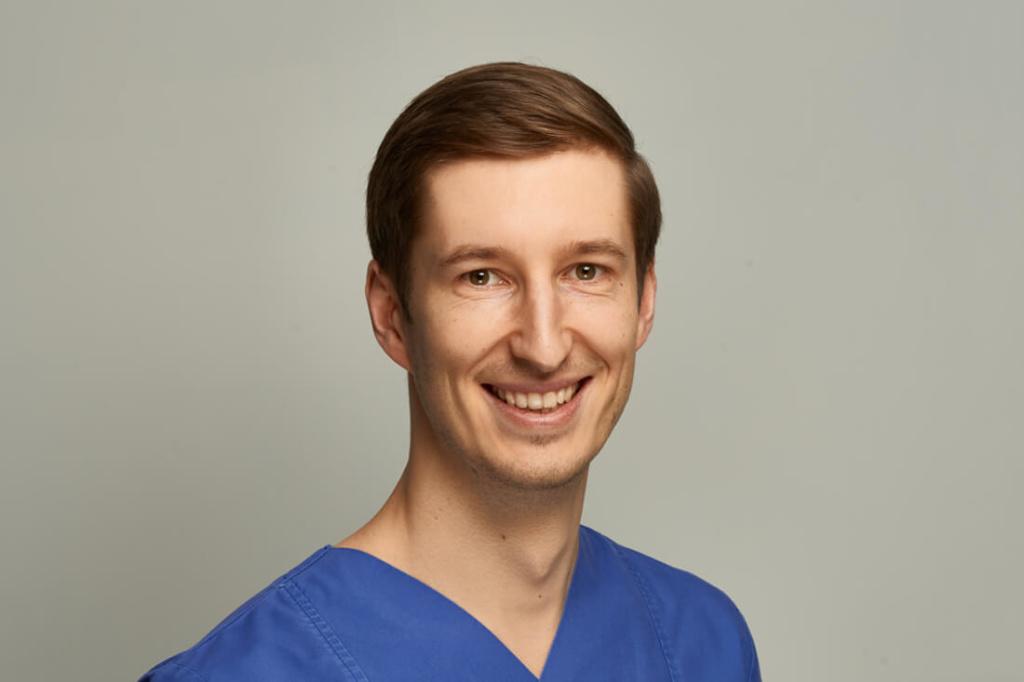 Mund-, Kiefer- und Gesichtschirurgie Hannover - Bothe - Team - Anton Desch